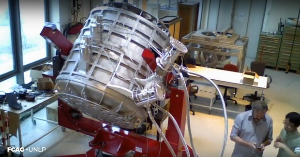 Ya está en la Argentina el telescopio de microondas para el Proyecto internacional QUBIC